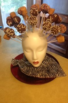 A special cake pop design for a hairstylist! #creativity #sweetliltreats #yesmadebyme