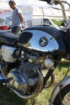 "Honda CB450 ""Black bomber""."