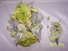 ROSETTA'S FLOWER COTTAGE  Corsage & Boutonniere for Prom