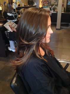Redken color natural highlights balayage shades brunette with toffee high lights Modern Hairstyles, Down Hairstyles, Zooey Deschanel, Cabello Zayn Malik, Hair Color Formulas, Runway Hair, Fall Hair Colors, Let Your Hair Down, Bob