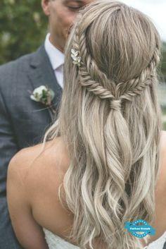 Lavender Garden Wedding Inspiration #garden #wedding #inspiration #lavendel #weddingideas #weddingmakeup #weddinghairstyles
