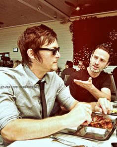 Norman Reedus & Andrew Lincoln of The Walking Dead Andrew Lincoln Walking Dead, The Walking Dead 2, Walking Dead Series, Handsome Actors, Hot Actors, Daryl And Rick, Daryl Dies, Stuff And Thangs, Family Album