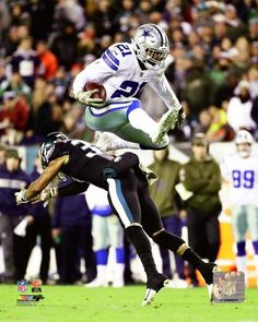 Ezekiel Elliott v. The Eagles Dallas Cowboys NFL Football Photo Ezekiel Elliott v. The Eagles Dallas Cowboys NFL Football Photo <br> Dallas Cowboys Wallpaper, Football Wallpaper, Nfl Football Players, American Football Players, Dallas Cowboys Football, Cincinnati Bengals, Denver Broncos, Pittsburgh Steelers, Eagles Nfl
