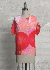 With a chic geometric cut, this top is the modern upgrade to your classic tee. Cherry Blooms, Modern Tops, Purple Reign, Summer Dream, Red Poppies, Short Sleeve Dresses, Chic, Tees, Womens Fashion