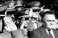 """Após a intervenção de 1964, o general sem pescoço, acabou levando um pescoção dos militares que não queriam que novas eleições fossem feitas pelos civis. Acabou morrendo em uma """"trombada de a…"""