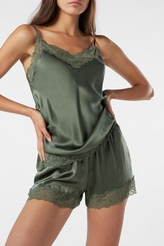 Silk Shorts for sale on Official Intimissimi online shop. Discover all the latest products and buy them on the Intimissimi online shop. Cute Sleepwear, Silk Sleepwear, Sleepwear Women, Lingerie Sleepwear, Sexy Pajamas, Cute Pajamas, Summer Pajamas, Ropa Interior Babydoll, Pijamas Women