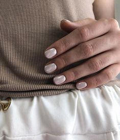 Easy Nail Art Designs For Short Nails 2019 Natural Nail Designs, Simple Nail Art Designs, Nail Polish Designs, Metallic Nails, Acrylic Nails, Pearl Nails, Nagel Gel, Healthy Nails, Holographic Nails