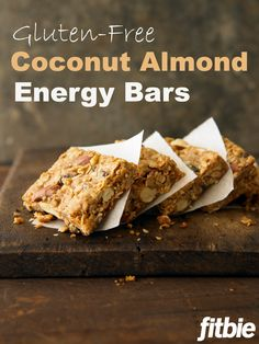 Think outside the box with this better-for-you (and ) bar recipe from The Runner's World Cookbook. Cookbook Recipes, Snack Recipes, Cooking Recipes, Diet Recipes, Paleo Bars, Sem Gluten Sem Lactose, Allergy Free Recipes, Breakfast Snacks, Gluten Free Baking