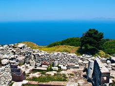 Visit the Ruins of Ancient Thira. This naturally fortified spot was an ideal place for the Spartan colonists to found their city. Santorini's official name is Thira, named after the commander Thiras, son of Autesion of Sparta. Santorini Island, Abandoned Churches, Greek Culture, Greece Islands, Beaches In The World, Ancient Ruins, Where To Go, Vacation