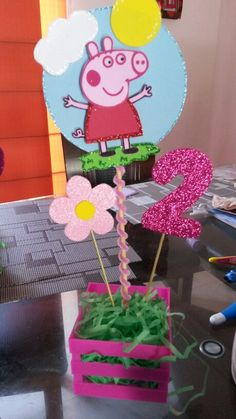Centro de mesa Peppa Pig 2 Birthday, 4th Birthday Parties, Birthday Party Decorations, Fiestas Peppa Pig, Cumple Peppa Pig, Peppa E George, Pig Party, Party Time, Creations