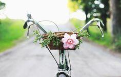 Summer fun: DIY Bike Basket, by Merrythought #フラワー