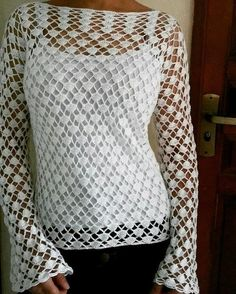 Crochet Applique - Bolerinho Crochet in 3 Sizes - Home Accessories / Crochet Blouse / Virkattu pusero Crochet Bodycon Dresses, Black Crochet Dress, Crochet Lace, Free Crochet, Crochet Capas, Knitting Patterns, Crochet Patterns, Crochet Hook Set, Crochet Shirt
