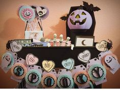 Amazing spooky pastel october daily projects made by Sabrina Ann for Papercakes. Halloween projects for your halloween decor and raskog cart in your craft room. Pink Halloween, Halloween Birthday, Halloween 2020, Spooky Halloween, Holidays Halloween, Halloween Crafts, Birthday Parties, Halloween Tutorial, Halloween Coloring