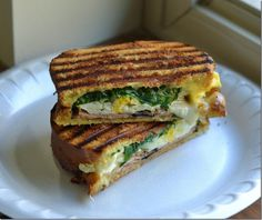 Ham Egg and Spinach Breakfast Grilled Cheese! #recipe #ham #egg #spinach #breakfast #grilledcheese #whiteoak #cabotlegacy