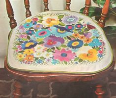 "VINTAGE BUCILLA ""FLORAL"" DECORATOR COVER CHAIR CUSHION CREWEL EMBROIDERY KIT #Bucilla"