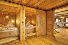Chalet Suite im Bayerischen Wald - Mit Sauna, Whirlpool uvm. Gq, Bunk Bed Rooms, Bed Nook, Chalet Style, Rustic Home Design, Bed And Breakfast, New Homes, House Design, Interior Design