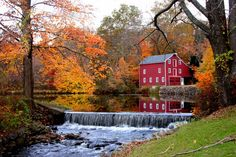 A Red Barn in Boonton, NJ.in Autumn