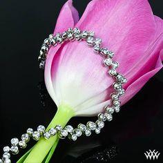 Bezel bliss  awaits you with this gorgeous 'Full-Bezel Scattered' Diamond Tennis Bracelet.