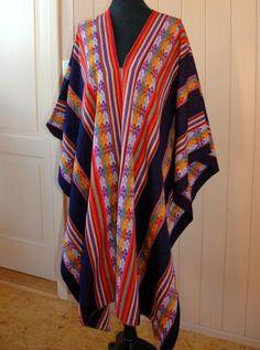 Poncho Design, Scarf, Alpaca, Give It To Me, Kimono Top, Cover Up, Capes, Signature, South America