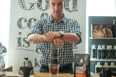 Aeropress - Jak przygotować dobrą kawę w domu? - baza wiedzy - coffeedesk.pl