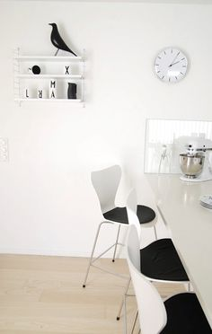 Via FargeBarn | Black and White Kitchen | String System | Design Letters Mug | Eames House Bird