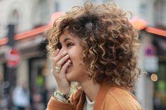 Quem tem o cabelo bem curtinho, estilo pexie ou um bob, acaba tendo dificuldade na hora de escolher um penteado. Esse post é para provar que os curtos também são super versáteis!