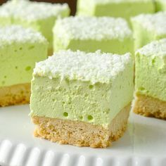 Marshmallow Cookie Bars. Easy to make in any flavour you like. The shortbread cookie bottom gets topped by a homemade marshmallow layer made from your favourite flavour of Jello!