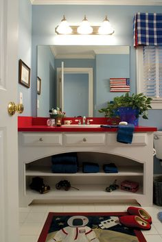 Red White and Blue Bathroom