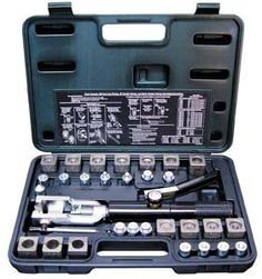 Mastercool Universal Hydraulic Flaring Tool Kit    This kit fabricates Push Connect Flare:        1/4