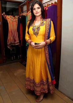 Latest Anarkali Dress for Mehndi Function Designer Salwar Kameez, Designer Anarkali, Anarkali Dress, Anarkali Suits, Long Anarkali, Patiala Salwar, Punjabi Suits, Pakistani Outfits, Indian Outfits