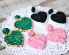 Beaded heart earrings Emerald green gold pale pink white black Fashion trendy love clip on earrings Rebecca de Ravenel statement jewelry Fringe Earrings, Heart Earrings, Crystal Earrings, Beaded Earrings, Clip On Earrings, Earrings Handmade, Beaded Jewelry, Handmade Jewelry, Bead Embroidery Jewelry