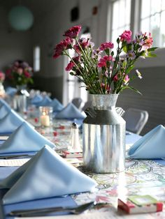 DIY Wedding Centerpiece: Vintage Milk Jugs >> http://www.diynetwork.com/decorating/diy-weddings-projects-and-ideas-for-centerpieces/pictures/page-38.html?soc=pinterest