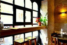 interior local cerveceria artesanal italiana Valencia