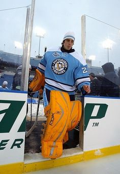 The National Hockey League (NHL) pits 30 teams who play against each other throughout the regular season in North America with the goal of earning a playoff Hot Hockey Players, Hockey Goalie, Nhl Players, Ice Hockey, Hockey Pads, Pens Hockey, Goalie Pads, Hockey Stuff, Pittsburgh Penguins Goalies