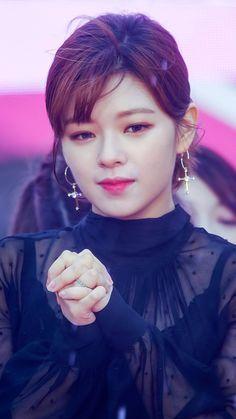 Nayeon, Kpop Girl Groups, Korean Girl Groups, Kpop Girls, Twice Jungyeon, Twice Kpop, Suwon, Kim Yoo Jung, Dahyun