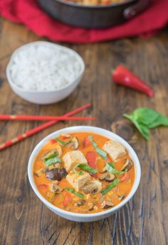 Simple & flavorful Thai Red Curry with coconut milk, mushrooms, and tofu. #vegan