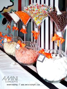 Where can I get the giant martini glasses? Use hall table with a loth and runner: Dessert Buffet Table, Lolly Buffet, Candy Buffet Tables, Candy Table, Dessert Bars, Martini Glass Centerpiece, Candy Bar Wedding, Birthday Candy, Christmas Party Games