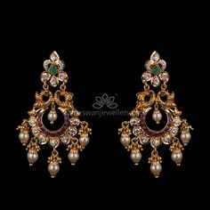 Mesmerizing collection of gold earrings from Kameswari Jewellers. Shop for designer gold earrings, traditional diamond earrings and bridal earrings collections online. Gold Jhumka Earrings, Gold Bridal Earrings, Jewelry Design Earrings, Gold Earrings Designs, Gold Jewellery Design, Designer Earrings, Pendant Jewelry, Diamond Jewelry, Gold Jewelry