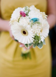 white gerberas - Real Wedding Budget Breakdown from Jessica & James captured by Jillian Mitchell - via snippetandink