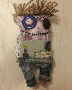 24 отметок «Нравится», 1 комментариев — Zorina семейная мастерская (@_zorina_) в Instagram: «Стуфи !))) Джинсовый симпотяга!) #Zorina #zombie #zombietoy #smile #funny #handwork #handmade…»