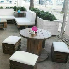 Strategy, methods, including resource in pursuance of receiving the very best outcome as well as making the maximum usage of patio furniture Rustic Outdoor Furniture, Wooden Pallet Furniture, Cool Furniture, Outdoor Decor, Furniture Layout, Spool Tables, Wood Spool, Café Bar, Corner Garden