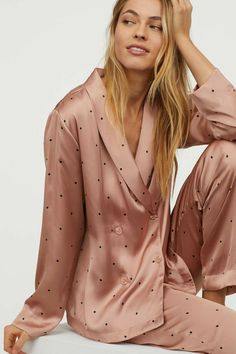 Pajamas For Women Sleepwear Pink Silk Pajama Set Ladies Lingerie Most Comfortable Pajamas In The World Pink Silk Pajamas, Satin Pajamas, Cute Sleepwear, Sleepwear Women, Sleepwear & Loungewear, Slep Dress, Pyjamas, Pijama Satin, Most Comfortable Pajamas