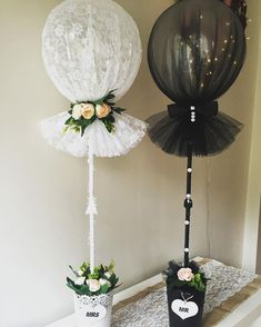 """Use of """"Tule Balloon"""" with tulle-wrapped balloons . - Crafts - Use of """"Tule Balloon"""" with balloons wrapped in tulle - Wedding Balloons, Balloon Arch, Balloon Ideas, Butterfly Balloons, Bridal Shower Decorations, Wedding Centerpieces, Wedding Decorations, Tulle Decorations, Wedding Souvenir"""