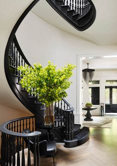Ideas Black Stairs Grand Entrance For 2019 Black Stair Railing, Black Staircase, Grand Staircase, Spiral Staircase, Staircase Ideas, Staircase Design, Railings, Interior Stairs, Home Interior