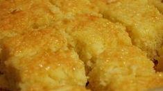 Bolo Cremoso com Cremogema Ingredientes: 1 1/2 xícara de farinha de trigo 1 1/2 xícara de açúcar + 1/2 xícara (para a calda) 1/2 xícara de leite (para a cal