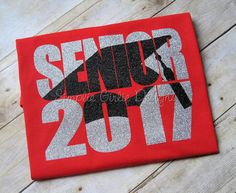 Graduation cap with Senior and year. Any graduation year. Customize all colors - Senior Shirts - Ideas of Senior Shirts - Senior shirt. by SimplieGirlieDesigns Senior Class Shirts, Graduation Shirts For Family, School Shirts, Graduation Gifts, Crafts For Seniors, Senior Crafts, Senior Overalls, Fashion Design Classes, Graduation Cap Decoration