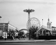Extensive collection of rare and old pictures of New York. Historic New York City and Vintage New York Photos. New York Pictures, New York Photos, Old Pictures, Brooklyn New York, New York City, Coney Island Amusement Park, Amusement Parks, Vintage New York, Staten Island