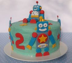Robot cake by Butter Hearts Sugar.