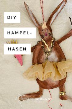 Aus einem Schuhkarton enthoppelt: Lustige Hampel-Osterhasen, schnell und einfach gefertigt. Verse, Diy Paper, Crafting, Kids, Shoe Box, Easter Bunny, Entertaining, Cardboard Paper, Songs