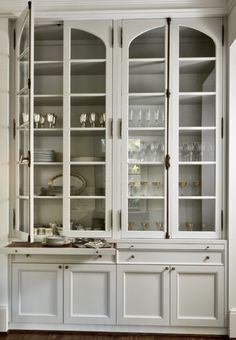 Kitchen Room Design, Kitchen Cabinet Design, Home Decor Kitchen, Home Kitchens, Küchen Design, House Design, Dining Cabinet, Beautiful Kitchens, Built Ins